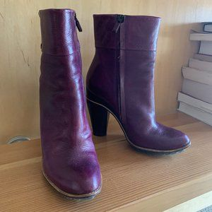 Costume National Boots: purple size 39